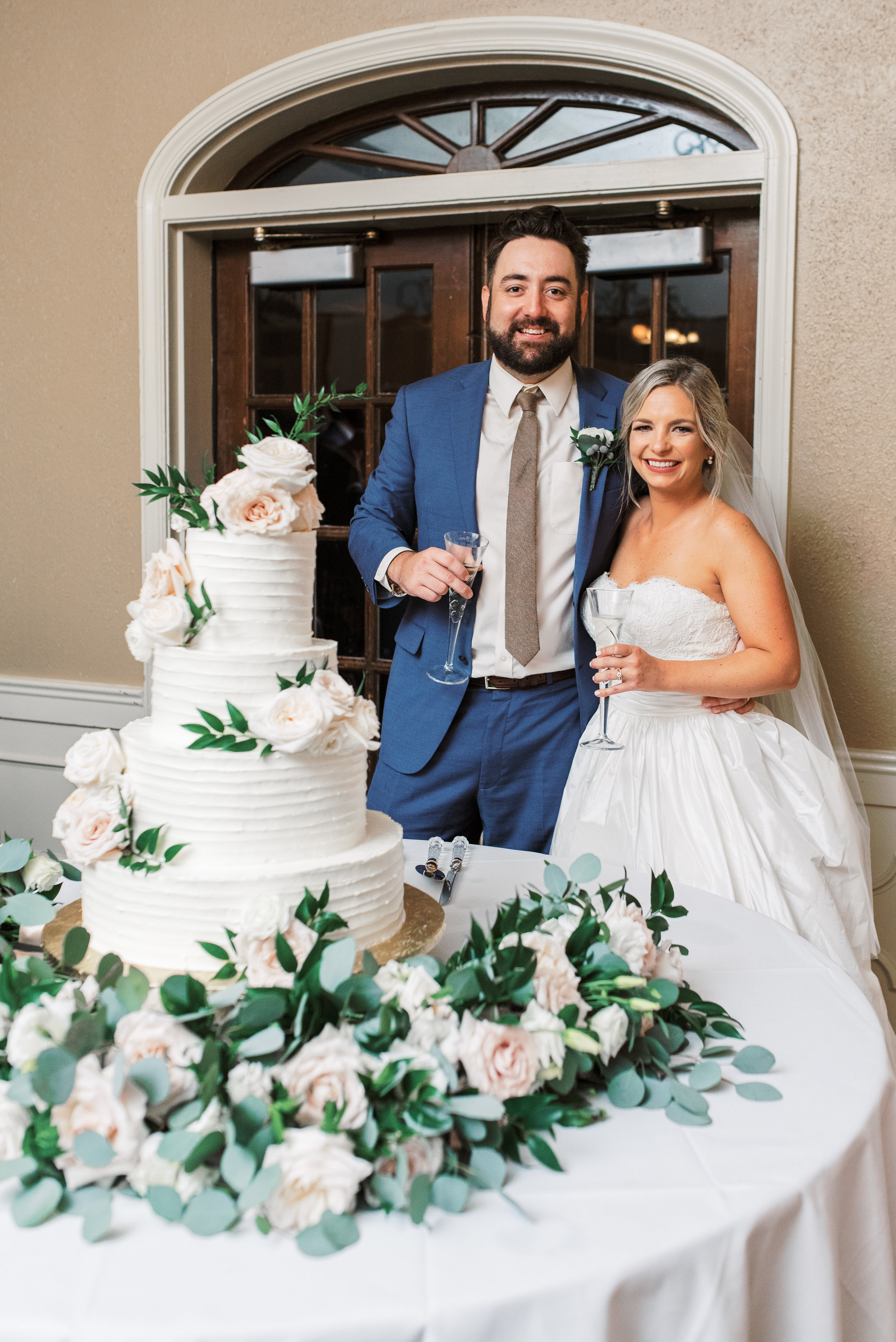 Southern Fete, Southern Wedding, Bride and Groom Champagne Toast, RayRay Cakes, Flowers by Rodney