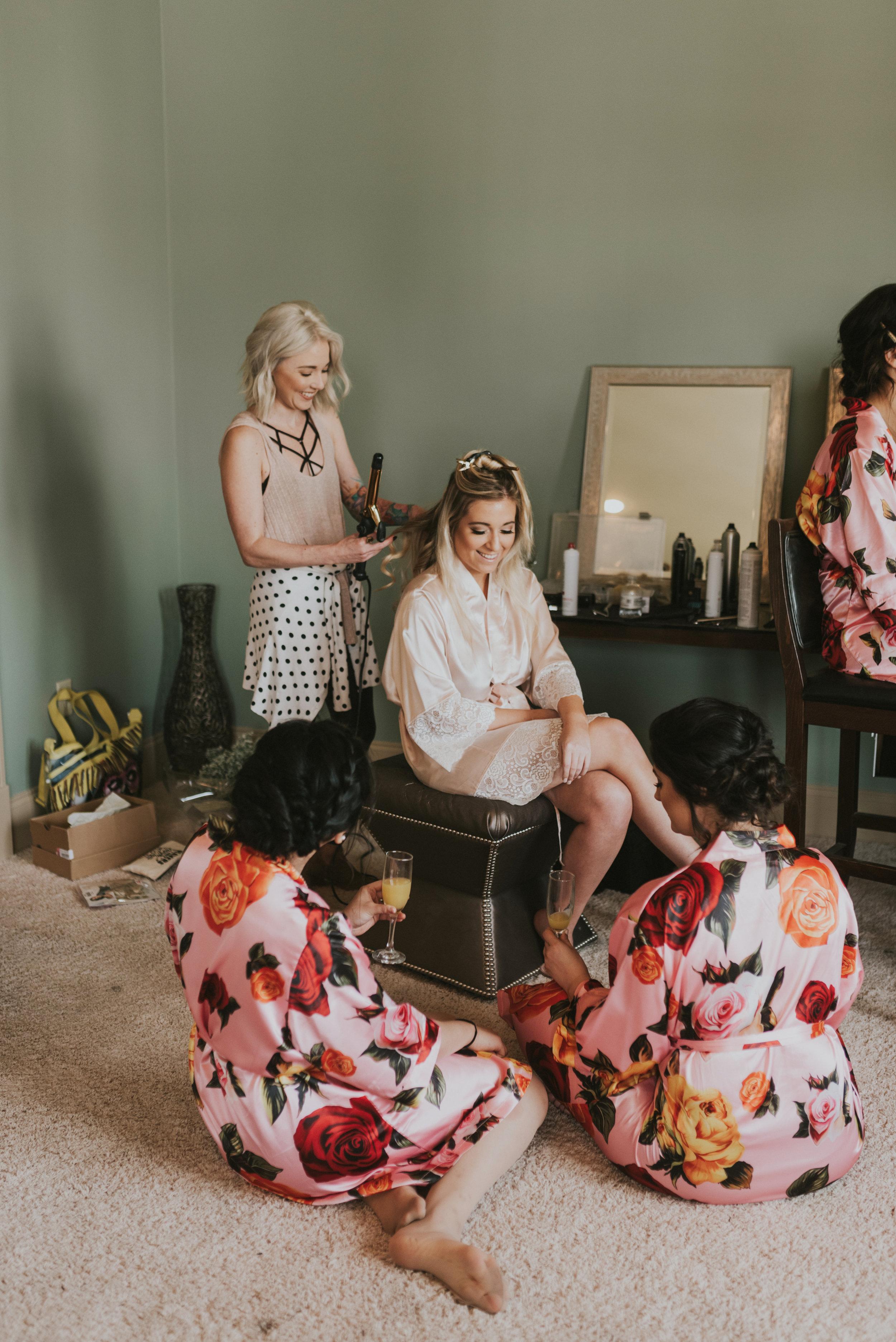 Southern Fete, Southern Wedding, Bride and Bridesmaid, Mimosa's, The Cut House Salon, Jen Menard Photo