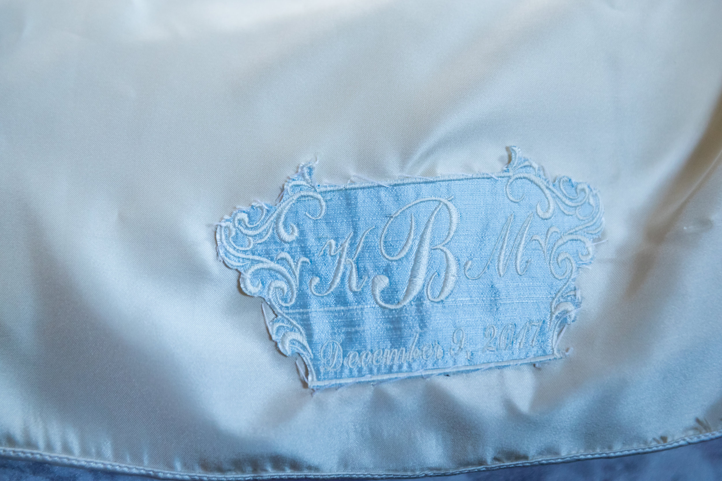 Southern Fete, Southern Wedding, Silk Embroidered Wedding Blanket, Jay Faugot Photography