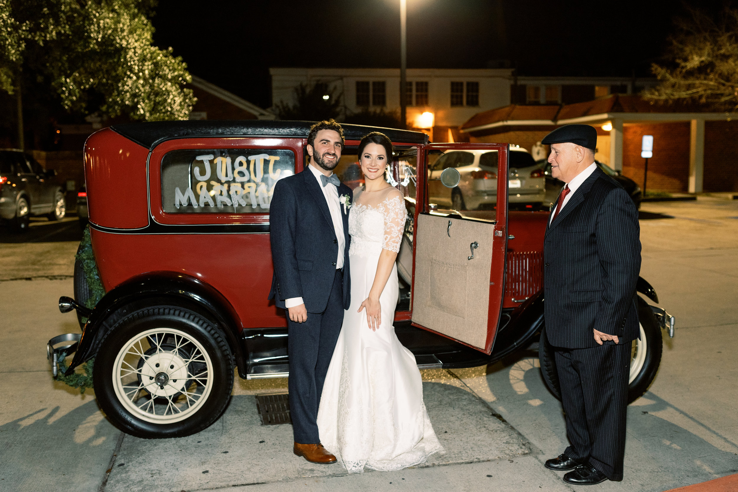 Southern Fete, Southern Wedding, Bride and Groom, Just Married, Sarah Beth Photography