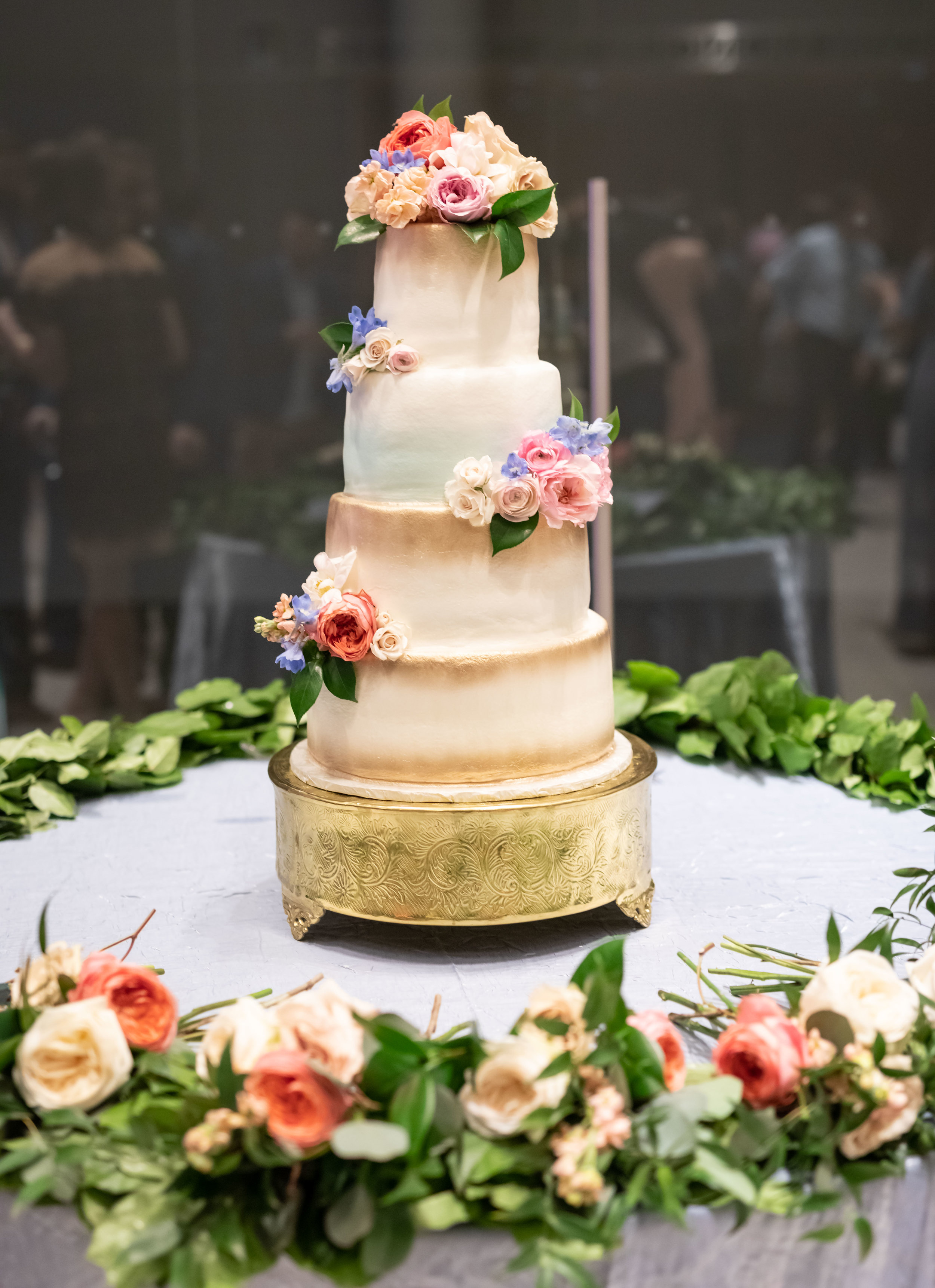 Southern Fete, Southern Wedding, Sugar Belle by Elise, Wedding Cake, Jay Faugot Photography, Root Floral Design