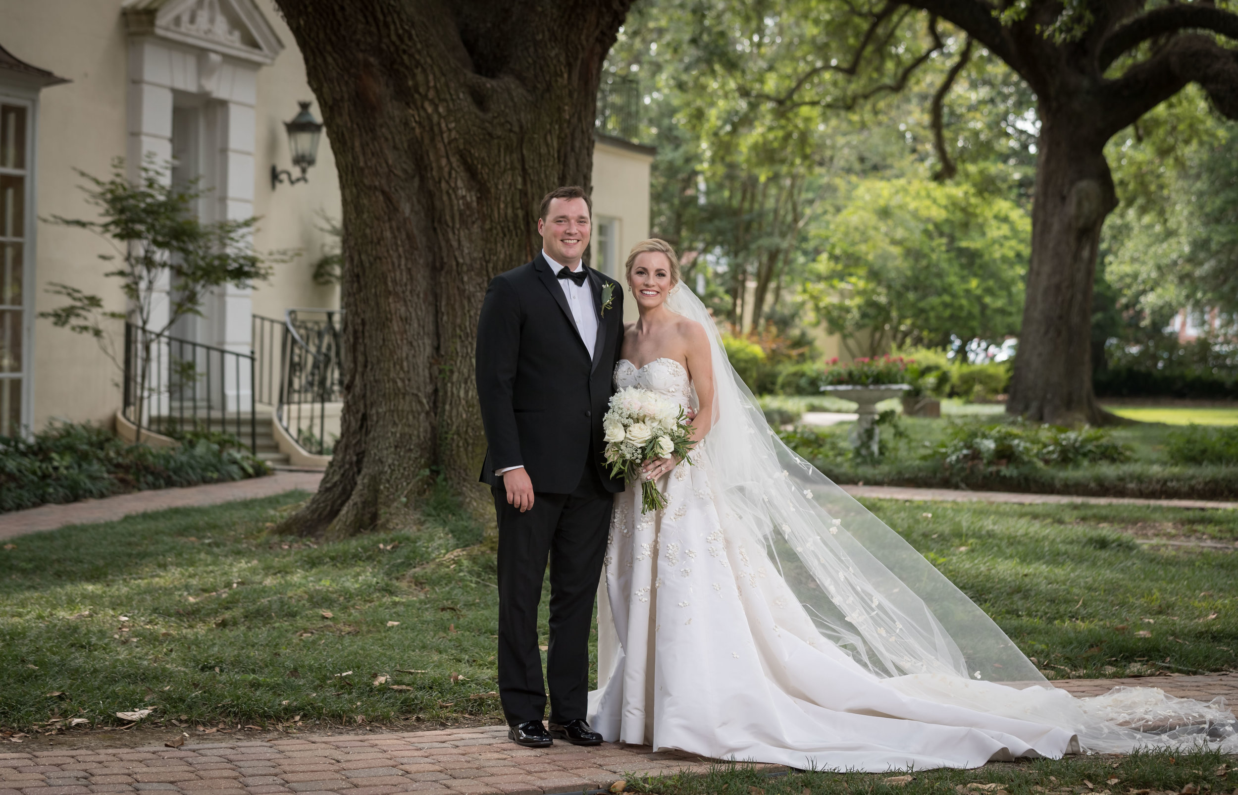 Southern Fete, Southern Wedding, Bride and Groom, Flowers by Rodney, UL Alumni Center, Jay Faugot Photography