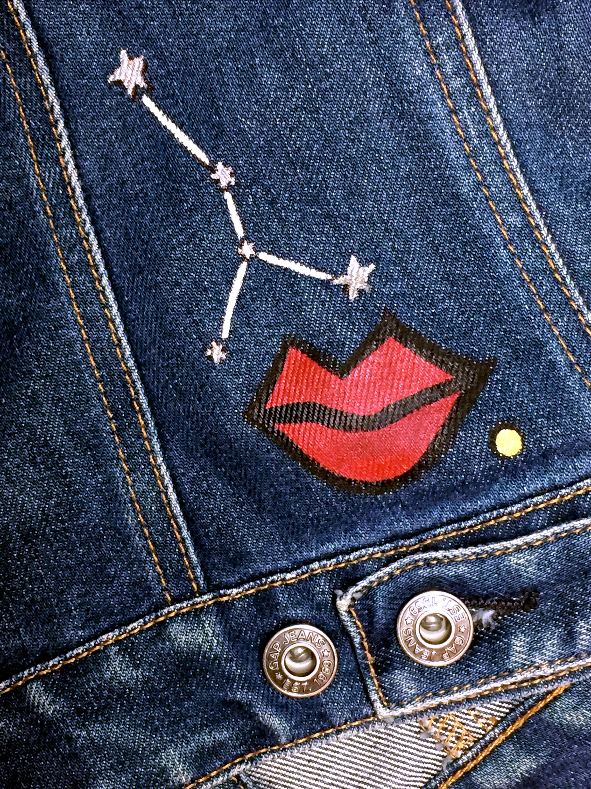 3_lips_stars_2.png