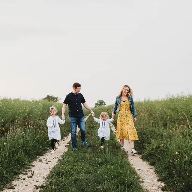 I had the most amazing session last week with the sweetest family 🥰 I first met them a couple of years ago so it was lovely to catch up with them all! And the best part is I get to photograph their wedding next year too! Can't wait 😁 . . . . . #belovedstories #bridetobe #beunraveled #britphotographerscollective #cameramama #candidchildhood #countrysidewedding #clickinmoms #cambridgeweddingphotographer #cambridgefamilyphotographer #dearestviewfinder #dearphotographer #exploretocreate #inbeautyandchaos #justalittleloveinspo #littlebellows #lightinspired #lookslikefilm #littleandbrave #loveandwildhearts #liveauthentic #elyfamilyphotographer #makemoments #magicofchildhood #motherhoodrising #momentslikethese #runwildmychild #subjectlight #shamoftheperfect #sharedjoy