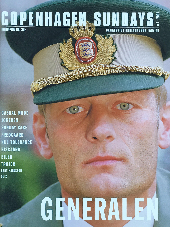 Den originale forside på Copenhagen Sundays Nr. 1 2001 der udkom en gang på tryk. F.C. Københavns Kaptajn: Mio. Foto: Carl Redhead.