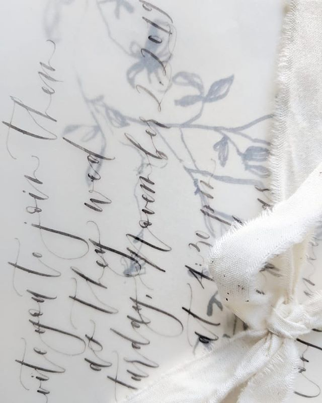Sneak peek of one of my favourite custom suites! Vellum on handmade Italian paper, tied with shredded organic cotton 💕