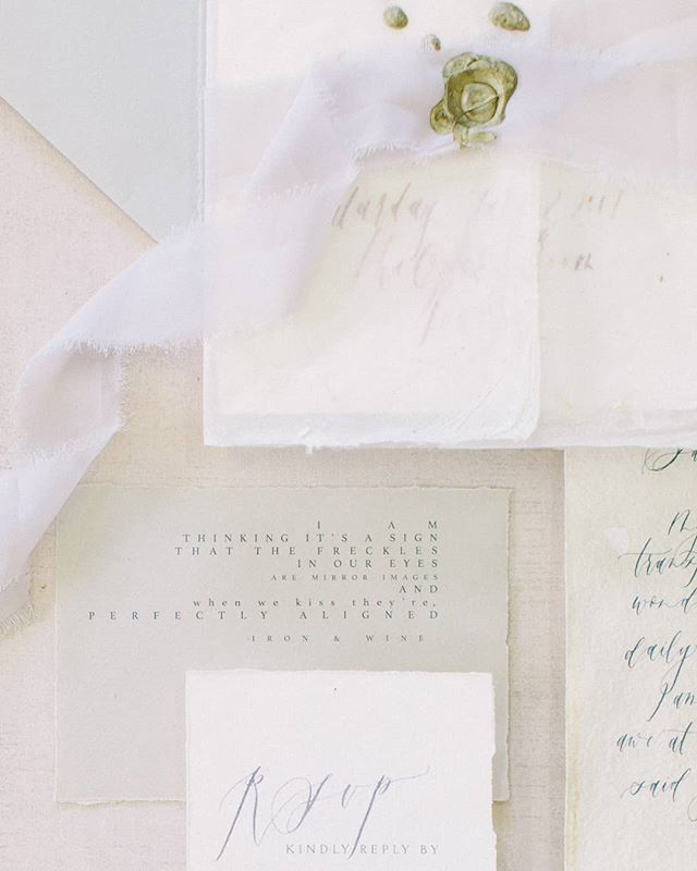 Throwback to this light and airy invitation suite. Styled by @thestaceyfoley photographed by @mariclekang
