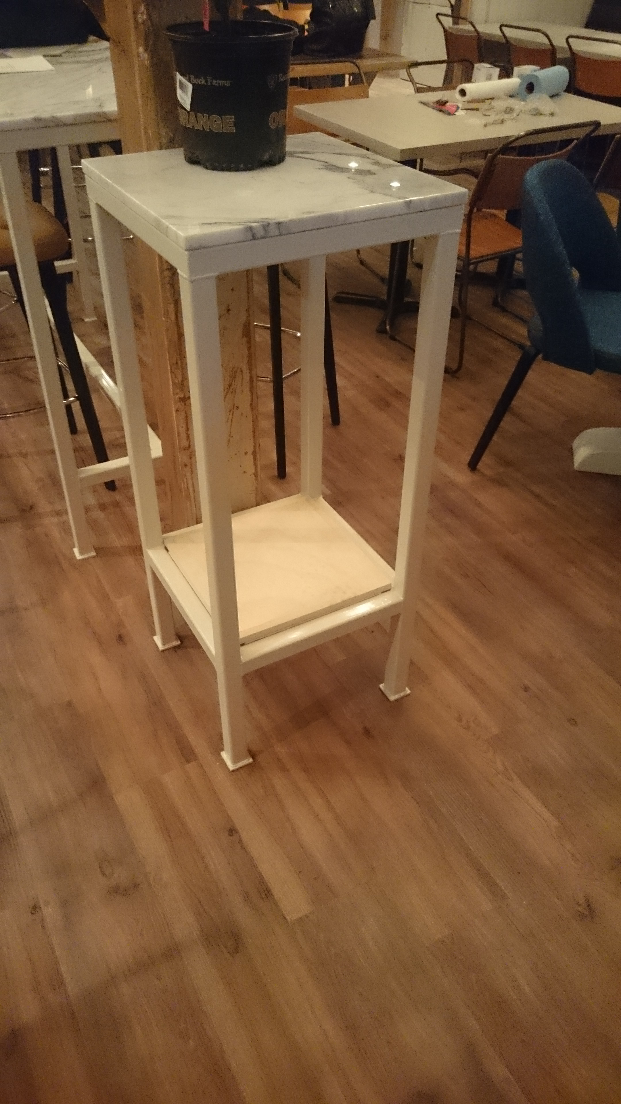 1.5x1.5 Square display stand