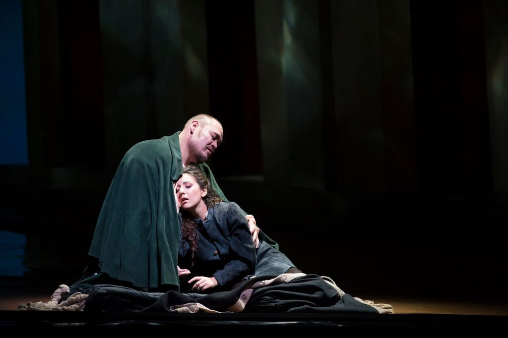 Quinn Kelsey and Rosa Feola in RIGOLETTO - Photo by Todd Rosenberg