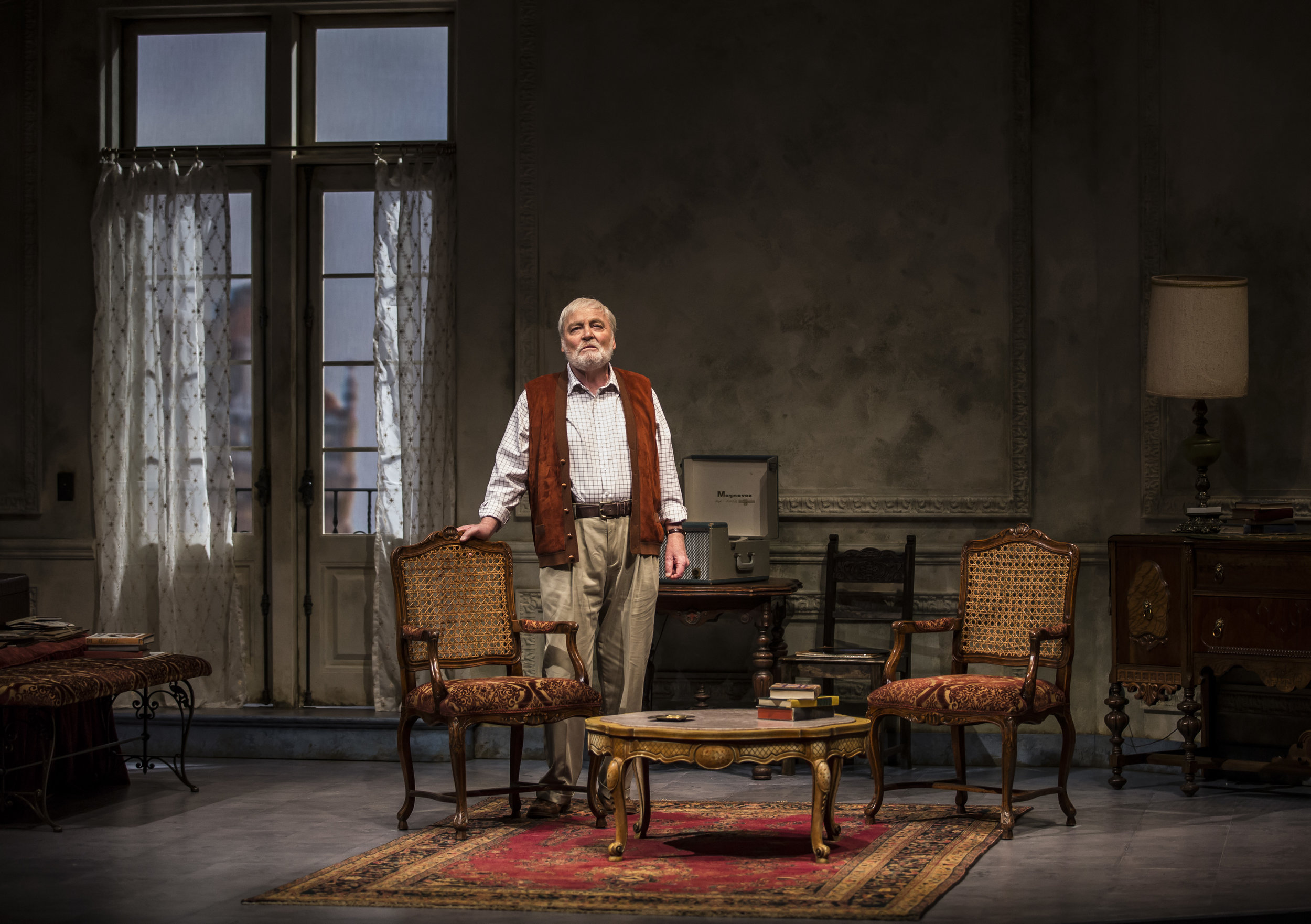"Stacey Keach in ""Pamplona"" at the Goodman Theatre. Photo by Liz Lauren."