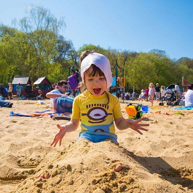 To Be Young  Taken from my Final Major Project series  #UH #UnifoHerts #uhcreatives #younglife #lovethelittlethings  #minionlove #sillymoments #sunnydays #beachfun #capturelife #puredelight  #documentary #familyphotography #familyfun
