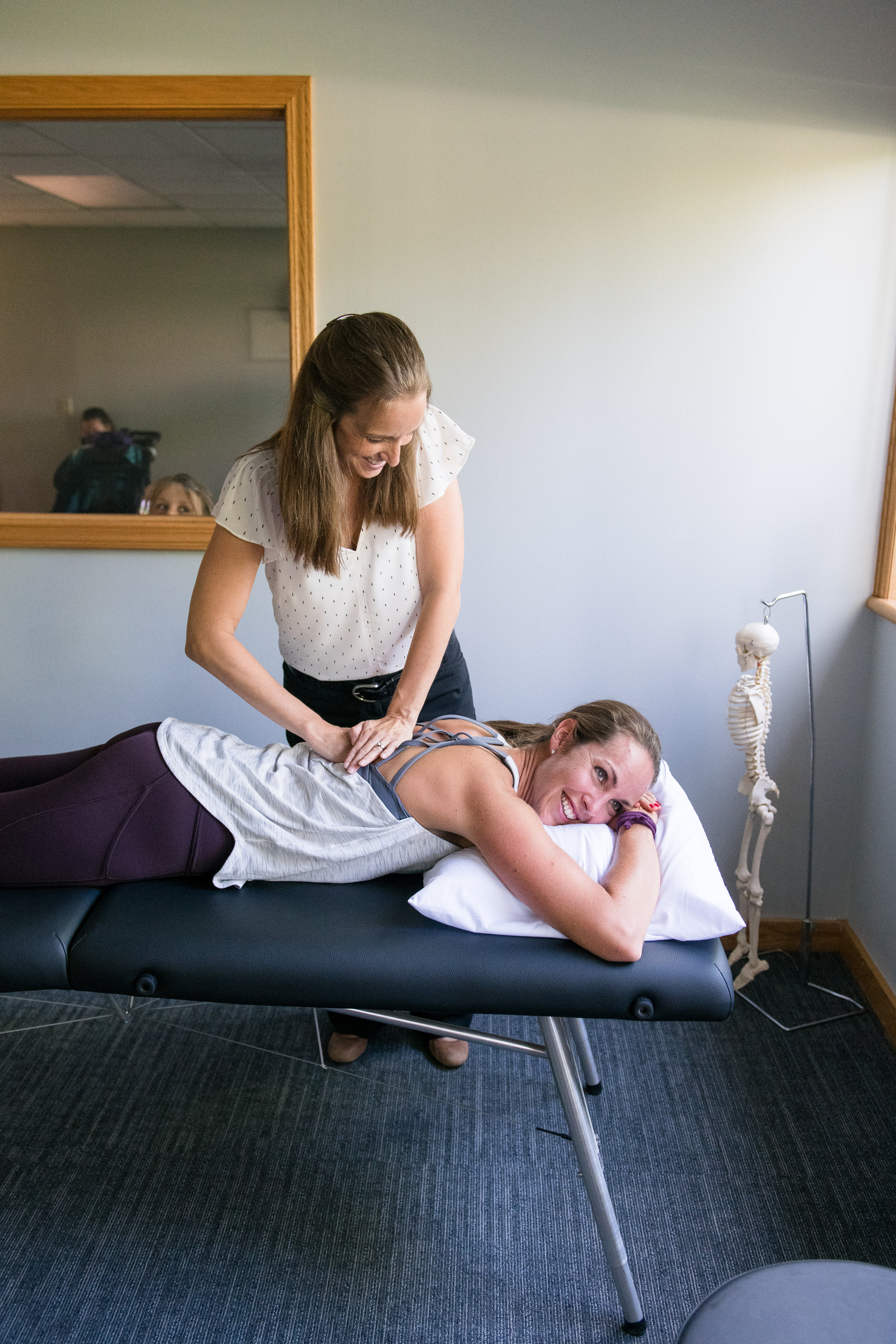 back treatment by physical therapist