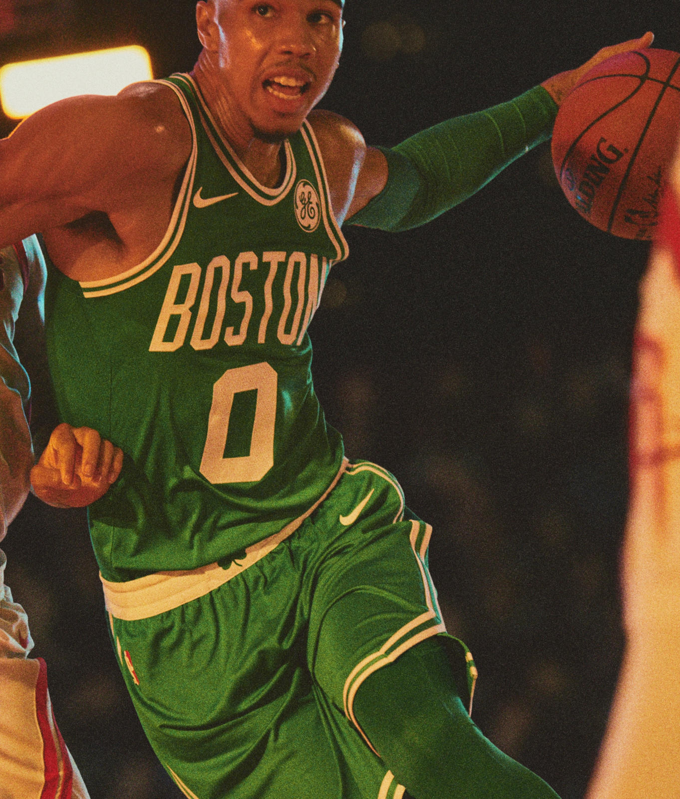 Ho17_BB_NBA_Play_JTatum_1247_native_1600.jpg