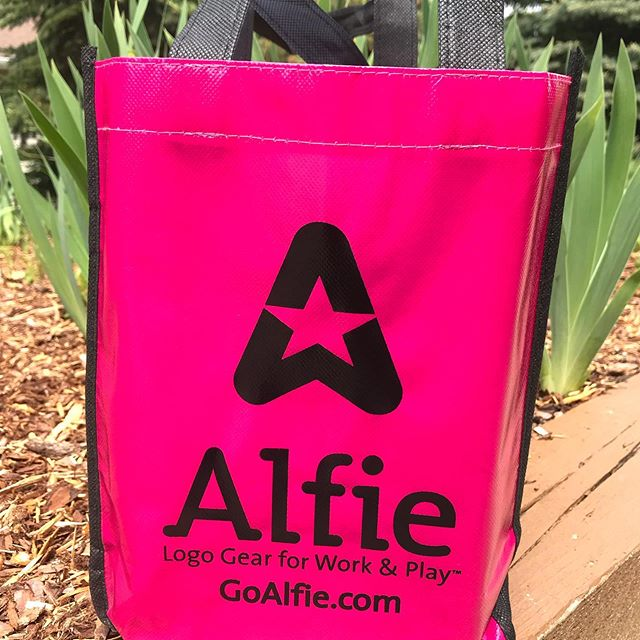 If you need logo gear this is the company 💕. Thank you @alfiegear for your donation. Please know that you are playing a part in helping some amazing women achieve their dreams. 🙏🏻 #kindness  #givingback #wellbeing #goals  #inspired #traversecity #smartyiswell