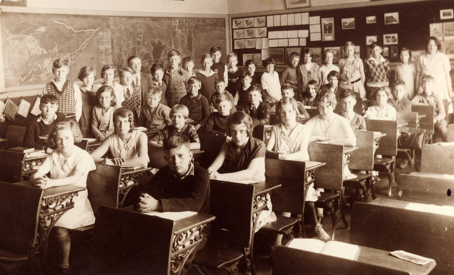 Mrs. Mason's Sr. Third grade class Queen Alexandra School, Broadview Ave, 1930