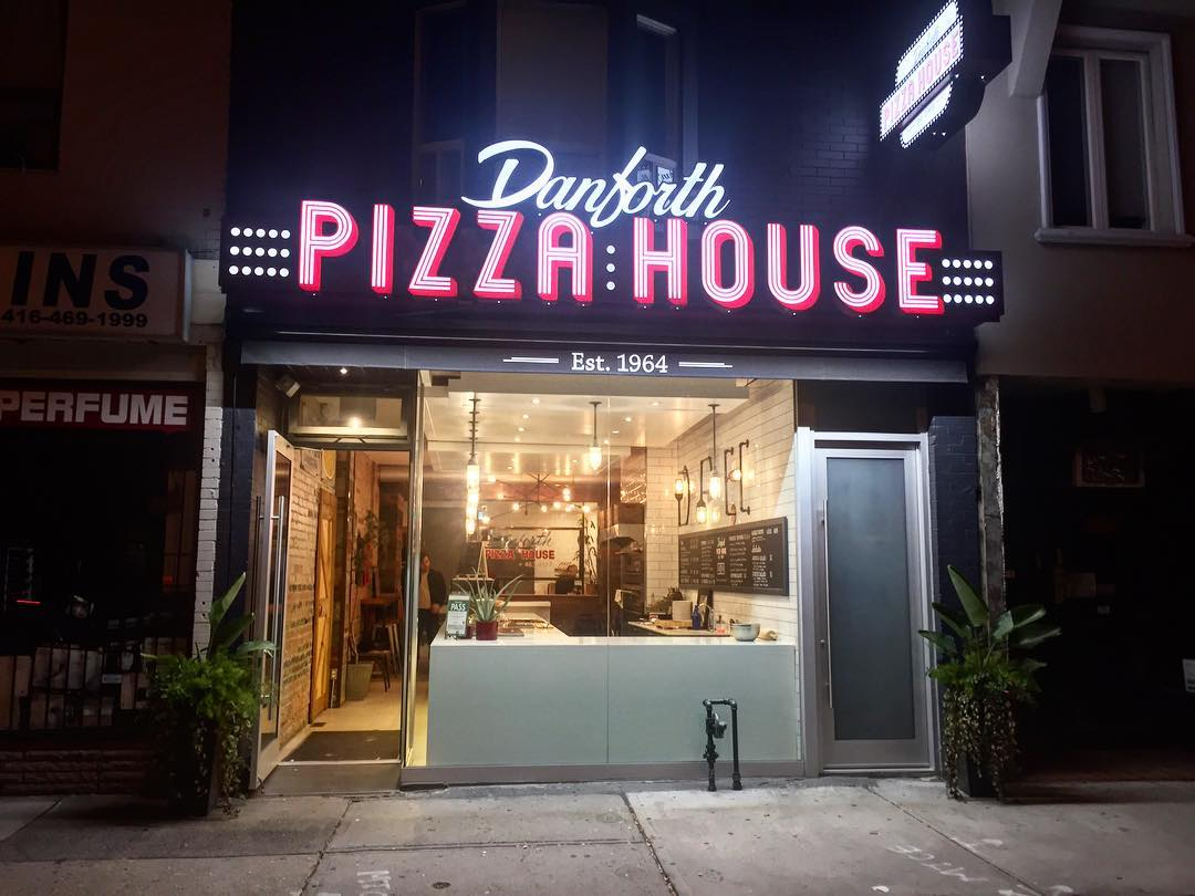Danforth Pizza House by @this_is_daavos