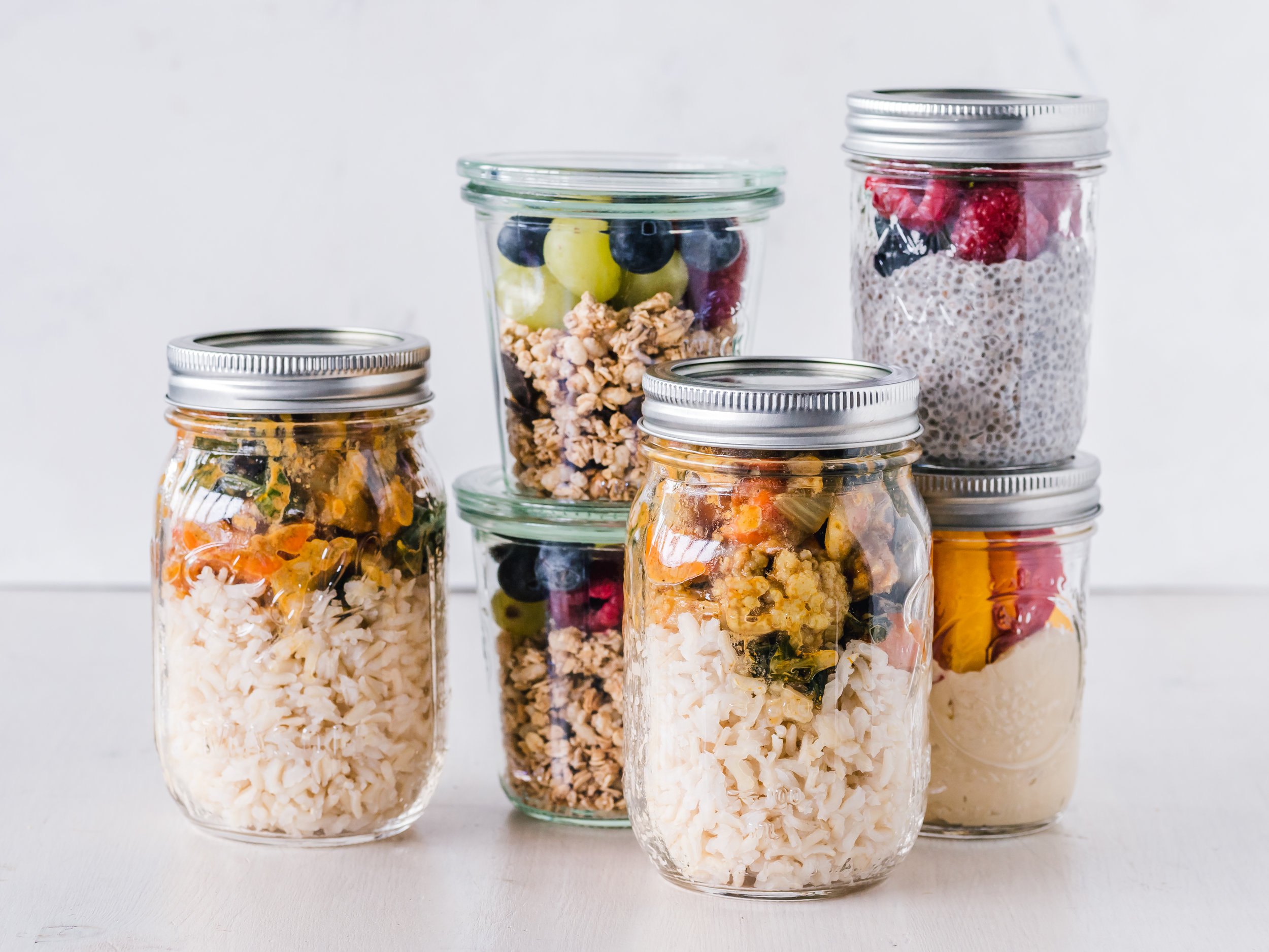 Week 3Easy Meal Planning - Ready to save time and money? Meal planning is the key to both and it doesn't need to be hard. Get ready to break out your mason jars and prepare yourself healthy meals and snacks.