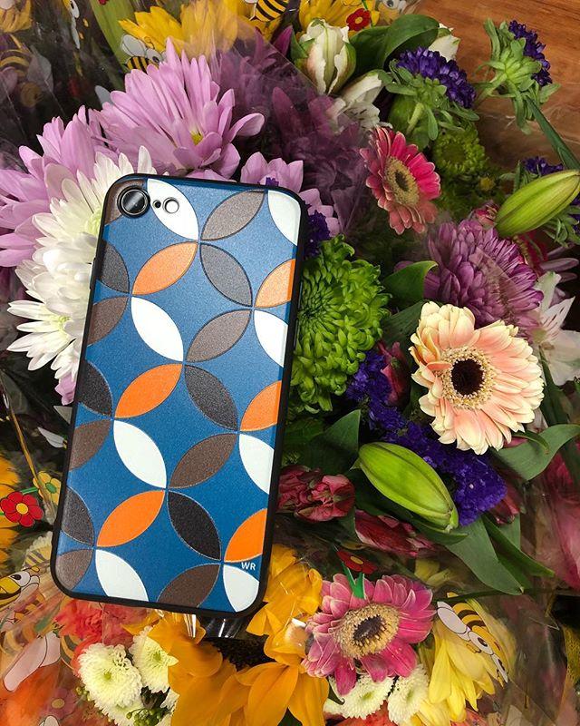 || FLOWERS IN BLOOM, SO COULD YOU || #ifyouhadawrphonecase #wriphonecase now available online for #iphone7 #iphone8 #iphone7plus #iphone8plus #iphonex ##washingtonroberts #washingtonrobertsnewyork #wrquintessentials #flowers #fashionxtechnology #iphonecase #newyork #lagos #london #paris #uae #dubai WORLDWIDE SHIPPING