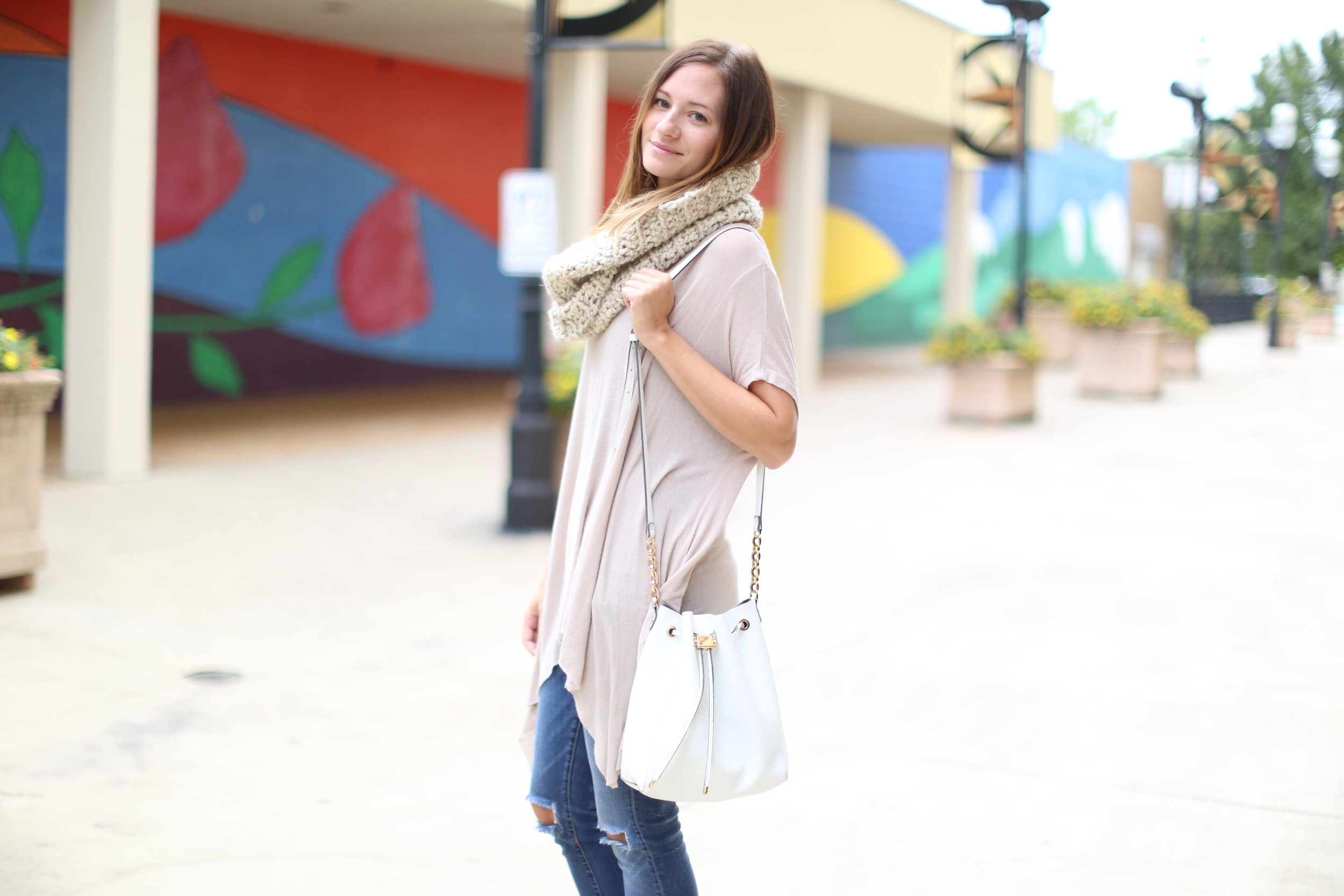 Infintiy Scarf + Boots | Fall Outfit | Katelyn Now