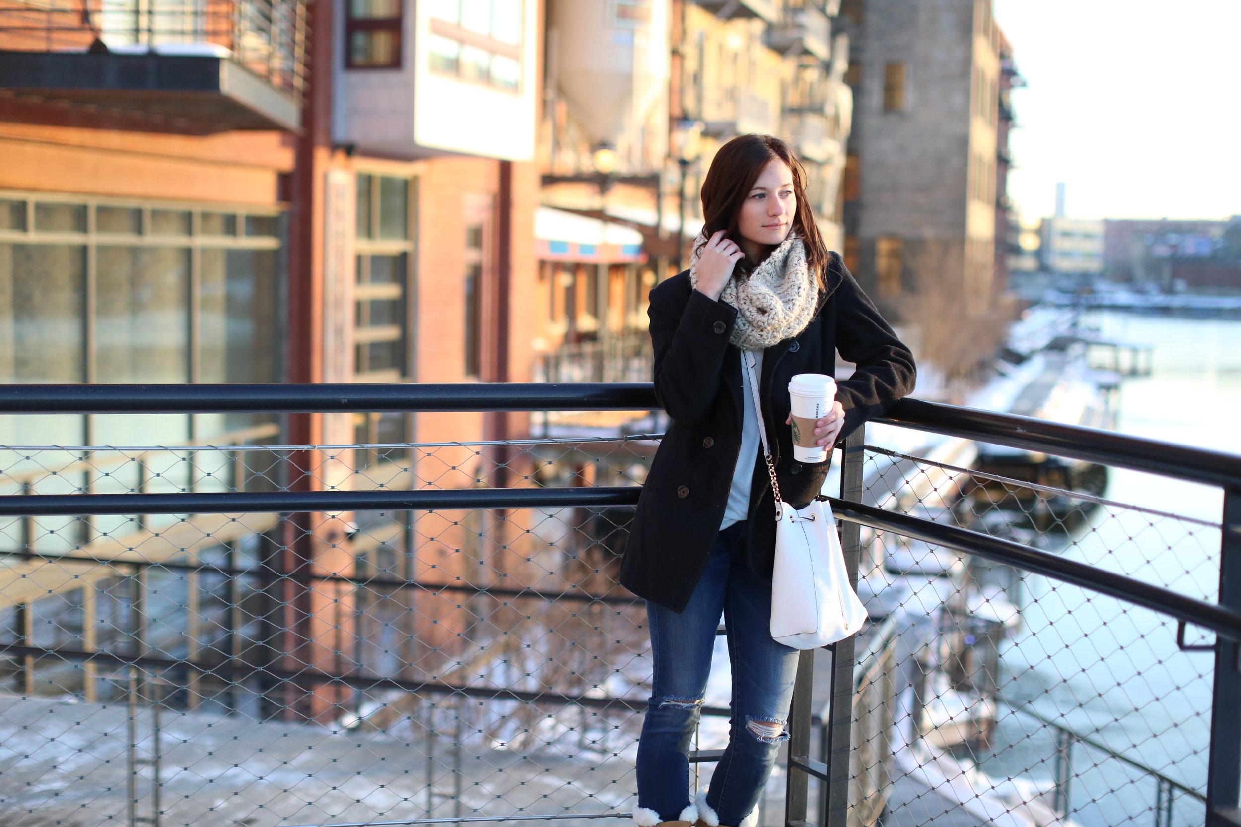 Winter Look + Glo Minerals Lip Crayon | Katelyn Now