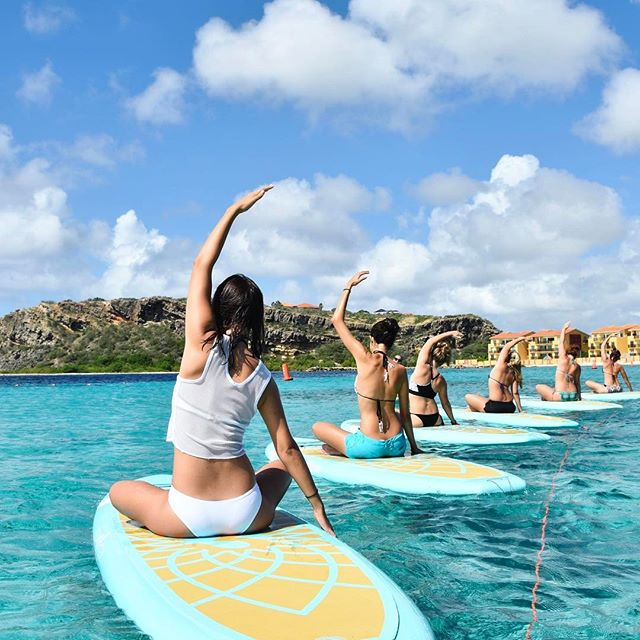 Are you in Curaçao this weekend? Sign up for SUP yoga 8:30 or 10AM ☀️ #supsunday #dushisup  Link in bio to signup!
