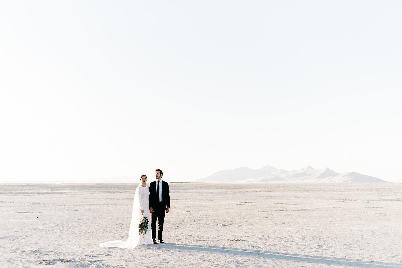 Zandra Barriga Photo - Cassie and Tristan Great Salt Lake Bridas_0007.jpg