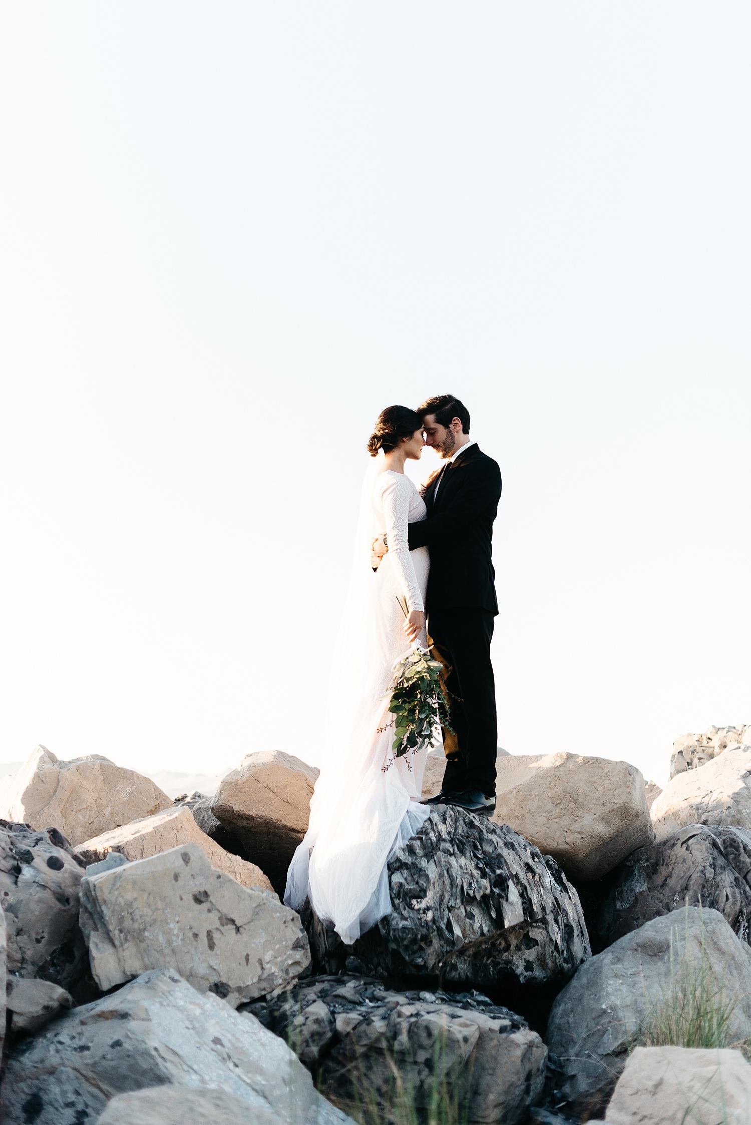Zandra Barriga Photo - Cassie and Tristan Great Salt Lake Bridas_0009.jpg
