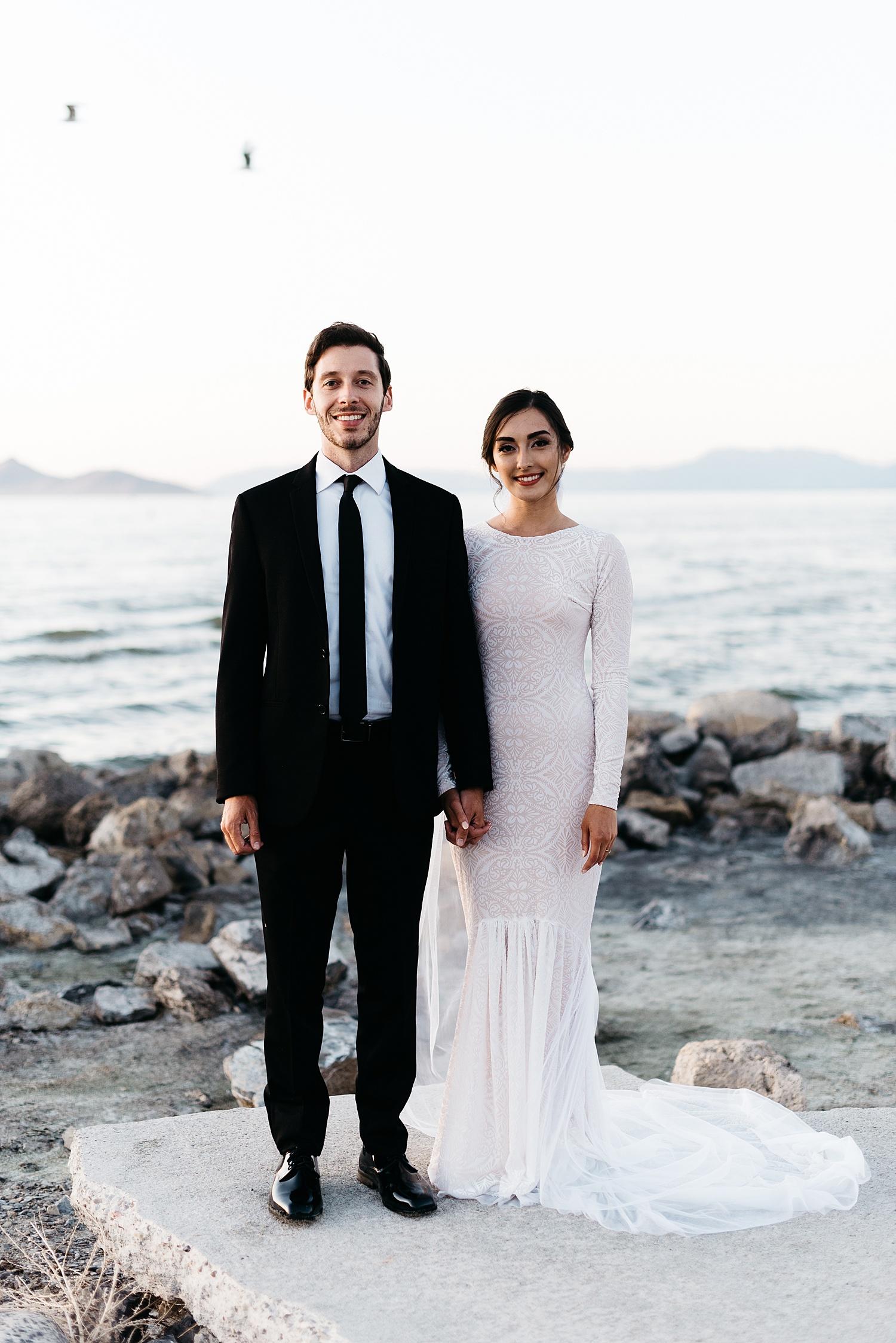 Zandra Barriga Photo - Cassie and Tristan Great Salt Lake Bridas_0018.jpg