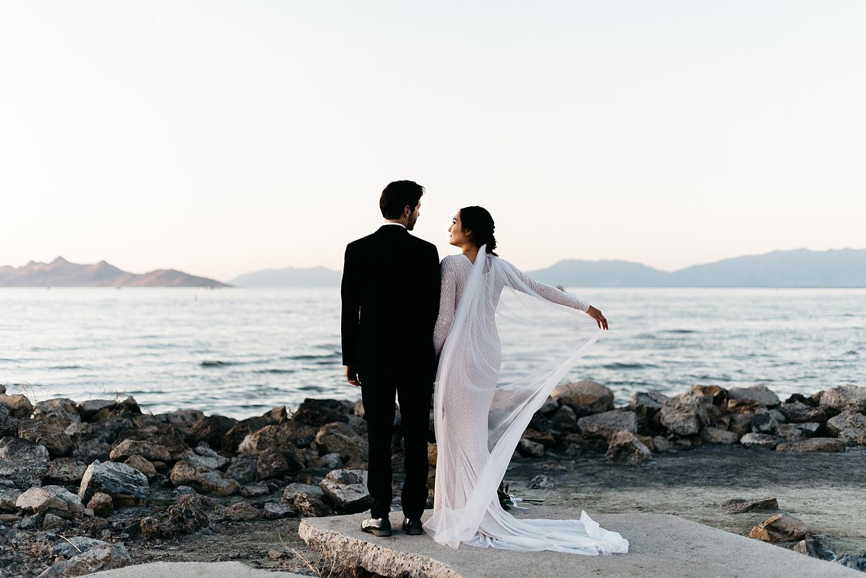 Zandra Barriga Photo - Cassie and Tristan Great Salt Lake Bridas_0017.jpg