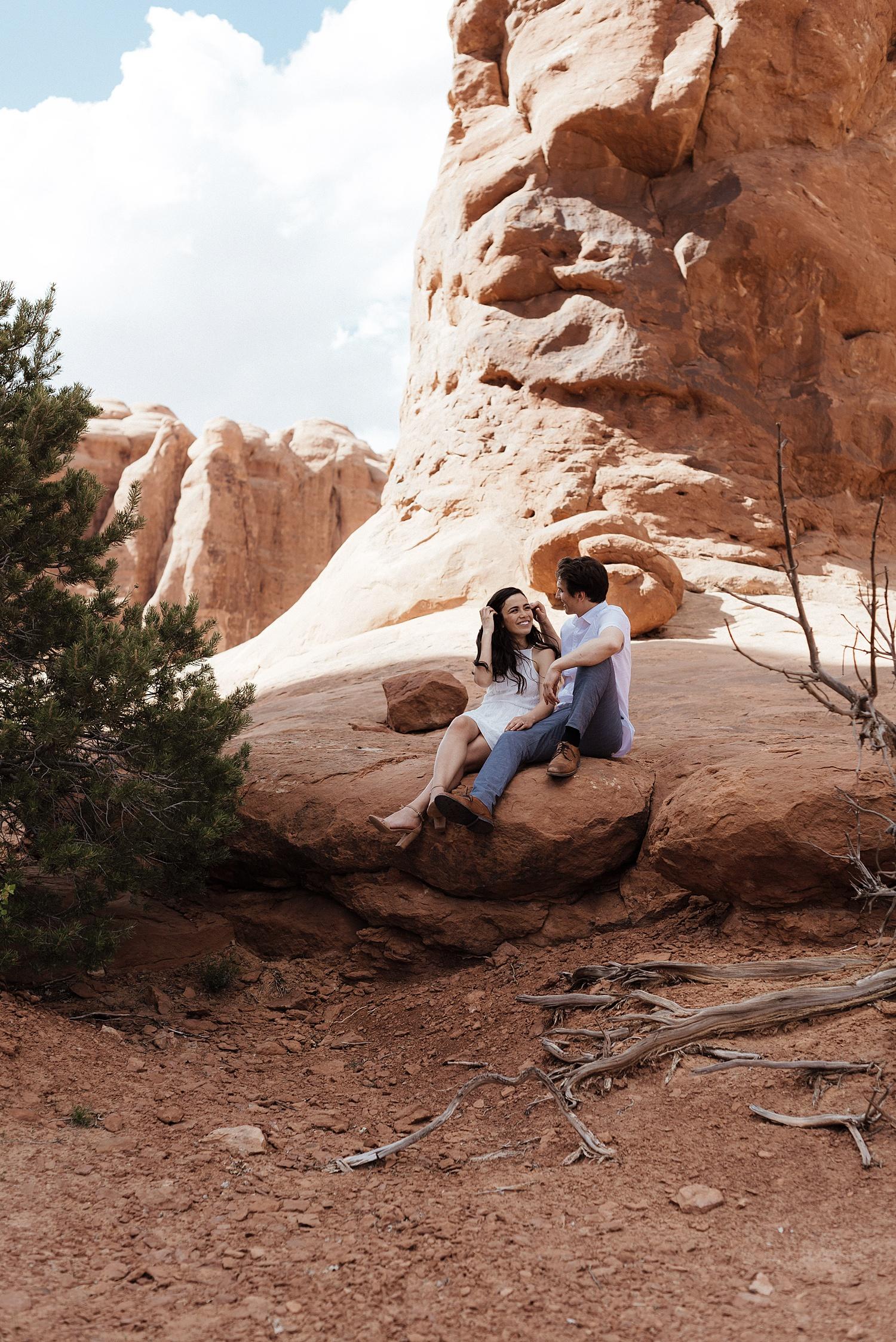 Zandra Barriga Photo - Dayana and Tom Arches National Park Engagements_0010.jpg