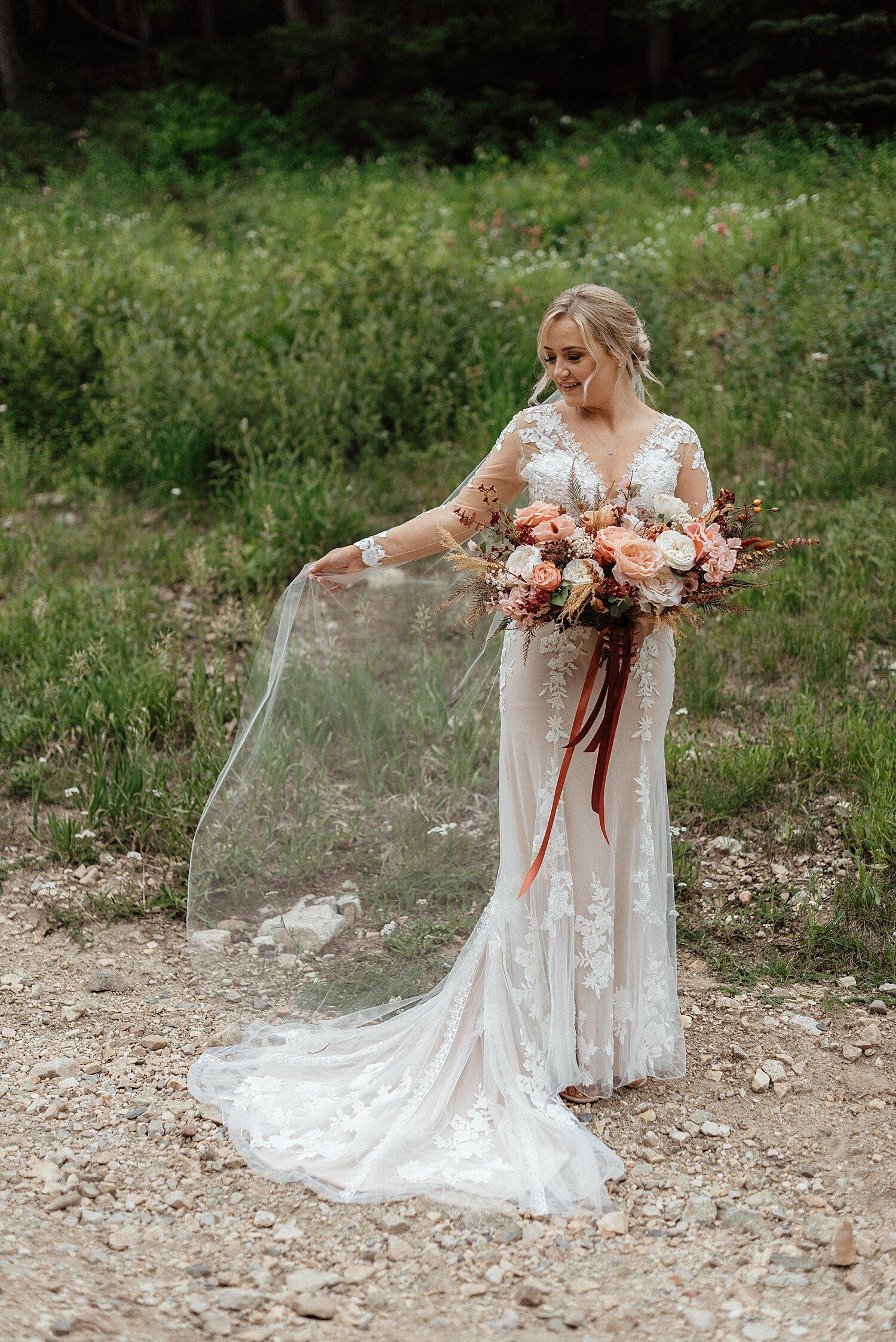 Zandra Barriga Photo - Hunter and Brighton Mountain Bridals_0012.jpg