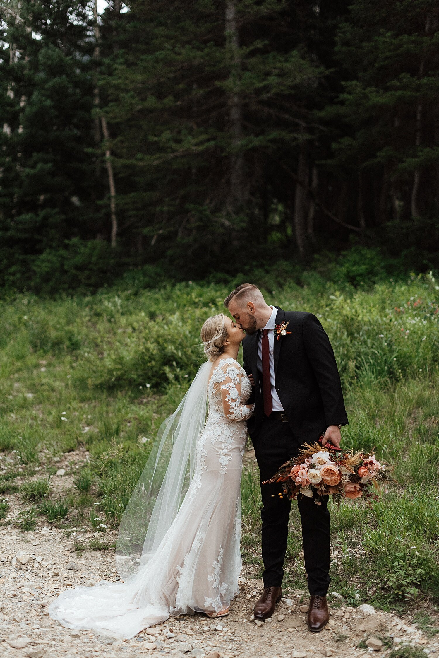 Zandra Barriga Photo - Hunter and Brighton Mountain Bridals_0015.jpg