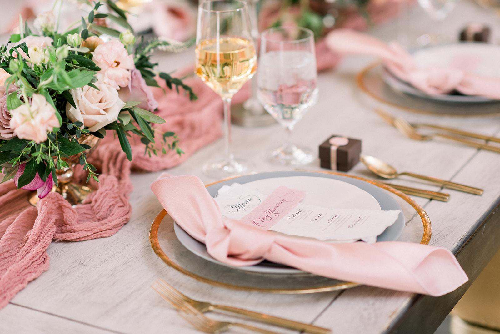 Blush and mauve table decor