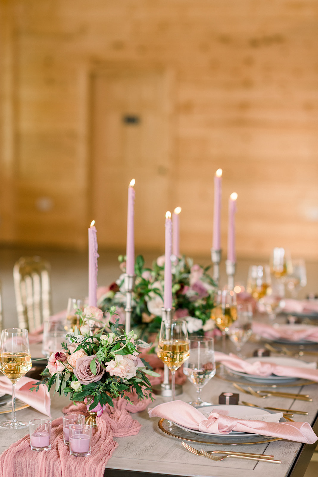 Table setting design for rustic elegance wedding inspiration mauve and pink table decor