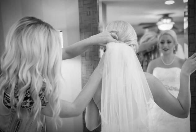 Photo: Colin Lyons Photography   Bride: Lisa R.