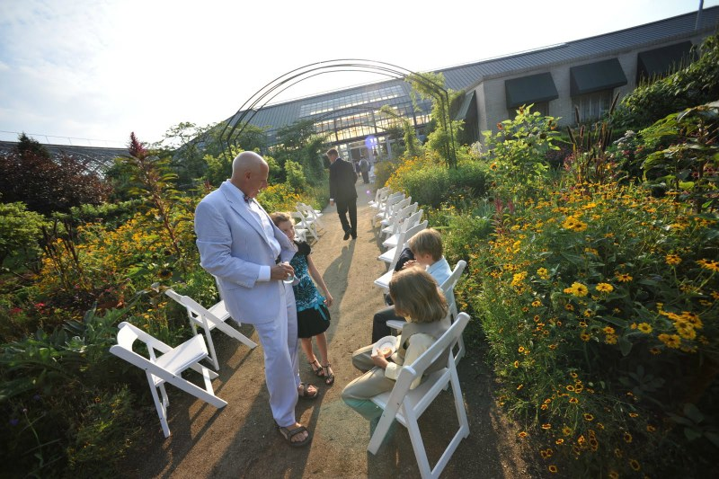 14  Garfield Park Conservatory Wedding Sweetchic Peter Coombs ceremony in the round monet gardens