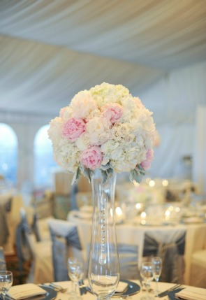15 Erica Rose Photography Vale of Enna pink peonies white hydrangea dusty miller tall centerpiece Sweetchic Eaglewood Resort