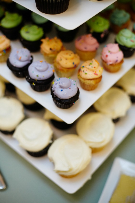 15 Sweetchic Brian Kinyon chicago Rookery wedding Sweet Mandy Bs cupcakes
