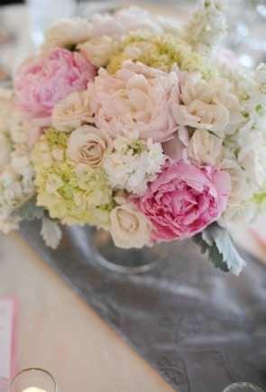 16 Erica Rose Photography Vale of Enna Sweetchic low centerpiece pink peonies cream roses hydrangea dusty miller