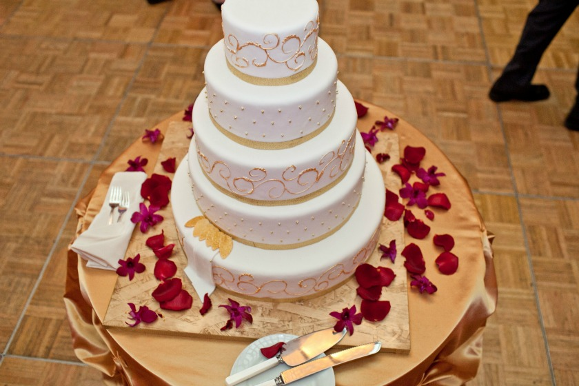 17 Chicago Cultural Center Chinese Indian Wedding wedding cake bom bon bakery