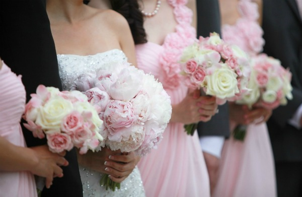 9 Erica Rose Photography Vale of Enna bouquets