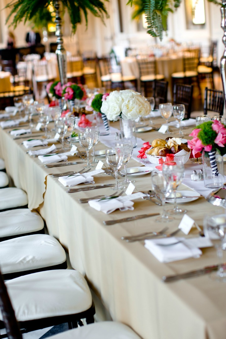 37 Chicago History Museum Wedding Dennis Lee Photo Sweetchic Events Flower Firm tablescape