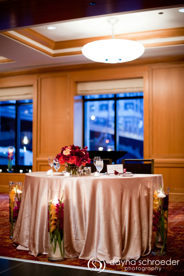 37 Westin River North chicago wedding sweetchic events dayna schroeder sweetheart table champagne satin linens