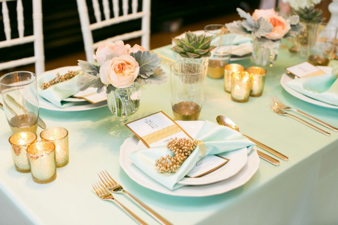 Mint and Peach Tablescape with Gold Accents. Sweetchic Events. Hinojosa Photogrpahy. I Do Event.