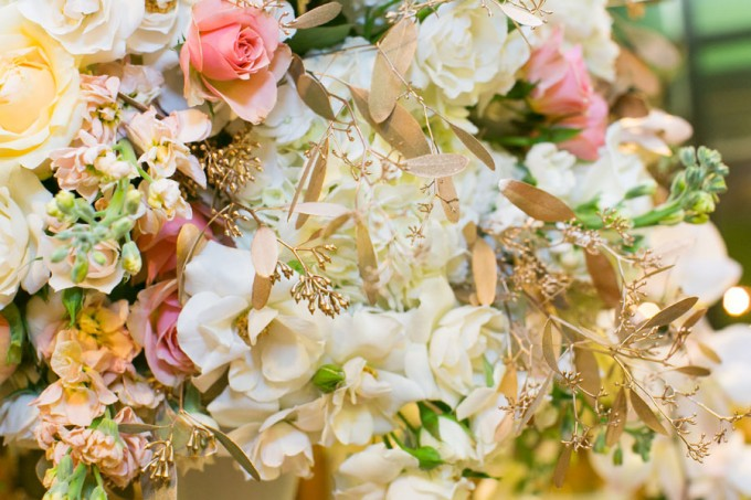 White Orchids, White and Peach Rose, with Gold Accent Centerpiece. Flor Del Monte. Hinojosa Photography. I Do Event. (2)