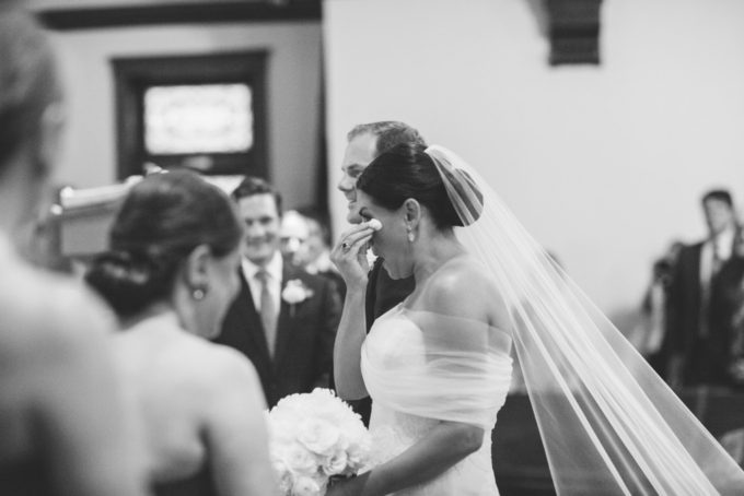 23-lake-geneva-country-club-wedding-lisa-mathewson-photography-sweetchic-events-ceremony-bride-cry