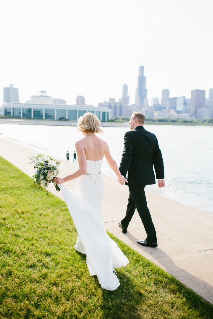 25-blackstone-chicago-wedding-pen-carlson-sweetchic-events-bride-and-groom-skyline-classic-romantic