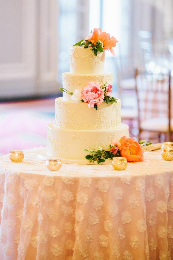 32-blackstone-chicago-wedding-pen-carlson-sweetchic-events-wedding-cake-white-lace-overlay-peony-blush