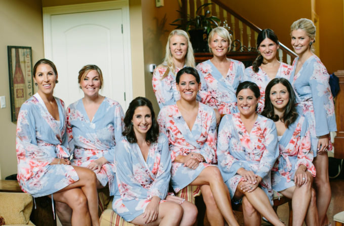 5-lake-geneva-country-club-wedding-lisa-mathewson-photography-sweetchic-events-bridesmaids-wedding-party-robes-floral-robes