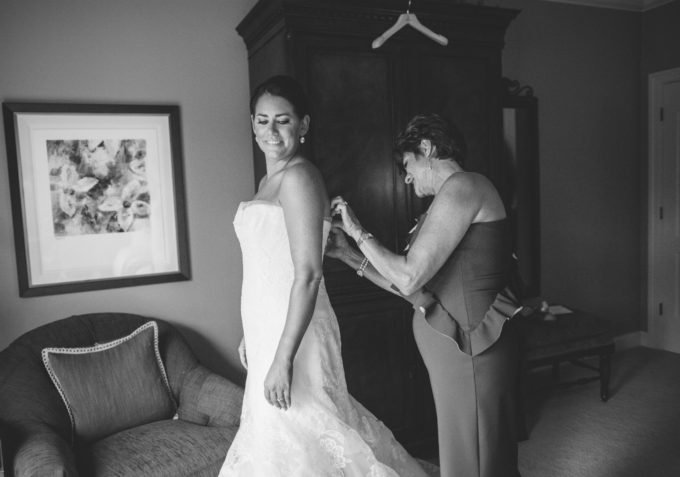 6-lake-geneva-country-club-wedding-lisa-mathewson-photography-sweetchic-events-wedding-dress-mother-of-the-bride